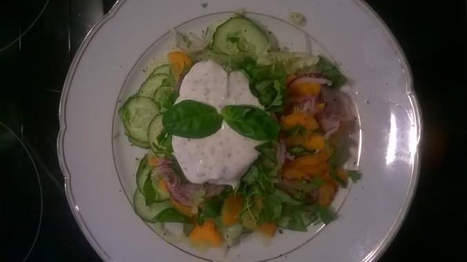 Gurken&Möhren Salat mit Kräuterquark